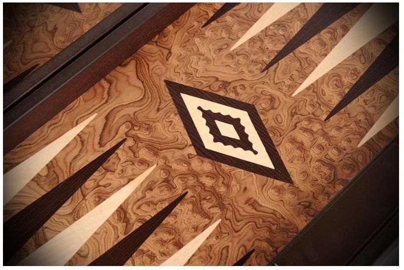 Χειροποίητο τάβλι καρυδιάς 48 Χ 60 cm με πλαϊνές θήκες Manopoulos BJJ